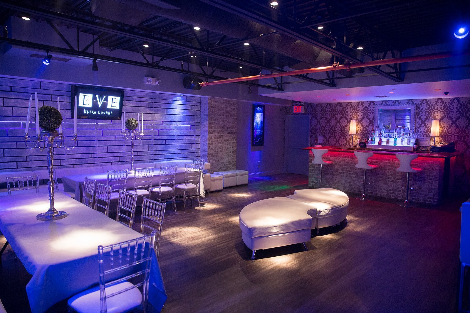 Event Space - Eve Lounge - upstairs - table seating